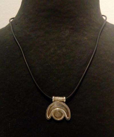 Collar símbolo akhet